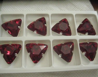 One 23mm Ruby or Crystal Triangle Cut Swarovski Rhinestone in Silvertone Sew On Setting