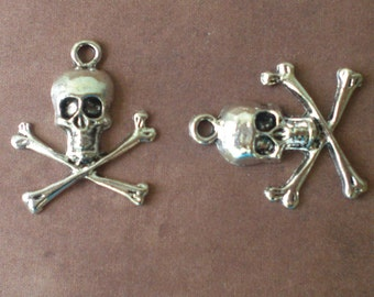 10 Tibetan Silver Skull with Crossbones Pendant Charms