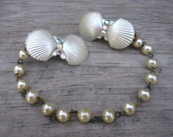 50's Clam Shell Sweater Clip Rhinestone Faux Pearl Chain Back Thennish Vintage