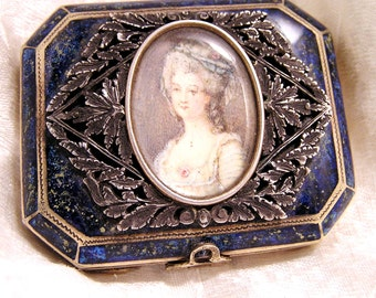 Antique Roger Gallet Enamel Powder Rouge Compact Hand Painted French Marie Antoinette (J11)