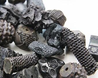 250g (approx.30pcs) Assorted Irregular Chunky Resin Beads - Black