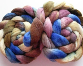 Blue dilly dilly -  Merino Roving (Top) - Handpainted Wool Spinning or Felting Fiber - 4 ounces