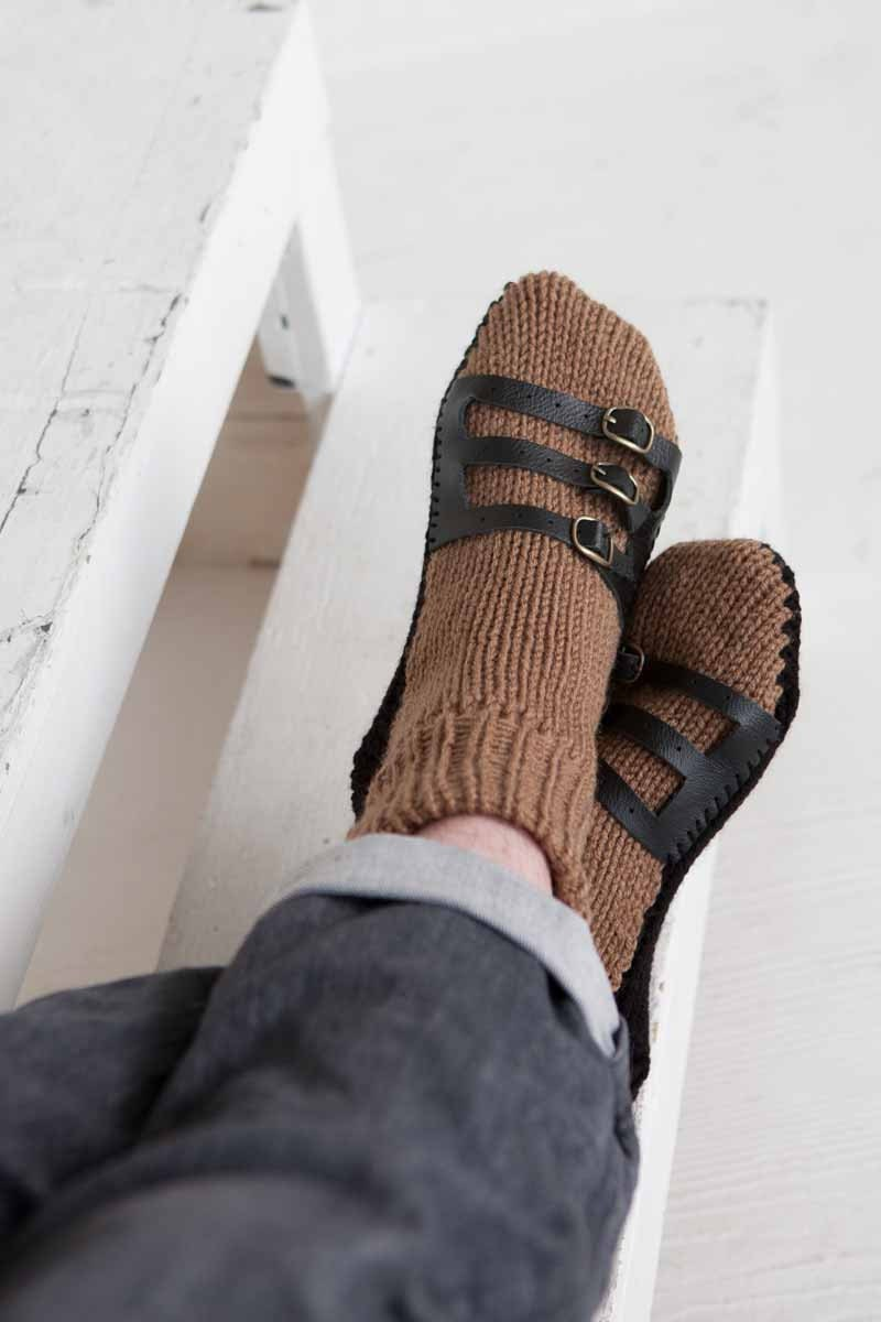 Knitting Pattern For Sandal Socks : Mens Slipper Socks Mens Knit Slippers Brown Black Sandal Sock