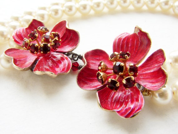Beadwork Vintage red pansies pearl beaded necklace, enamel red flower statement necklace, Bridal necklace, luxury gift for her ready to ship
