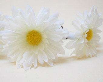 Daisy flower head piece, White Daisy crown, Daisy headband, Hippie hair accessories, Flower girl hair