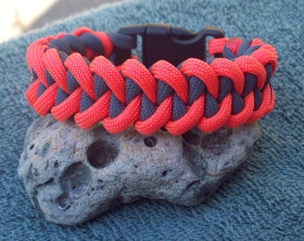 Paracord Bracelet - Shark's Jaw Bone - Orange and Grey