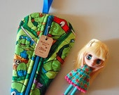 SALE 20% Off - Petite Blythe Deluxe Dolly Carry Bag - Blythe in a Half Shell (2014-DP04)