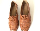 Vintage Cut Out brown woven leather lace up oxfords shoes Size 9