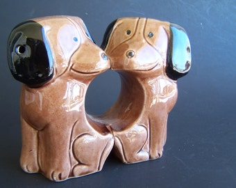 Vintage Dog Salt and Pepper Shakers Brown Beagles Mut  Adorable Double Port Design dachshund -ish Mod Dog Figurine