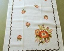 Vintage Tea Towels, Dish Towels, Orange Flowers, Floral Towels, Cottage Chic, Linen and Cotton, Towel Set, Vintage Kitchen, Vintage Towels