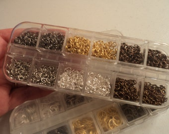 NEW - Jump Ring Mix With Case - 4mm in size - 1,800+ jump rings