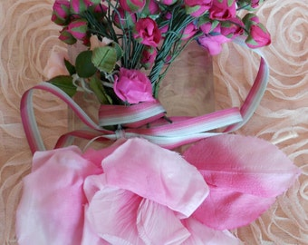 1930's Soft Pink Rose and Rosebud Bouquet