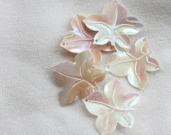 Vintage Pearly  WHITE to iridescent PINK variations 5 prong leaves sequins (30) 12 mm sz