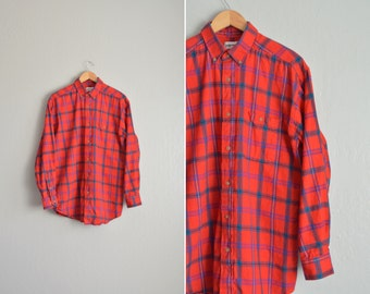 Size M/L // RED PLAID FLANNEL // Long Sleeve - Button-Up Shirt - Cotton - Holiday - Grunge - Vintage '80s.