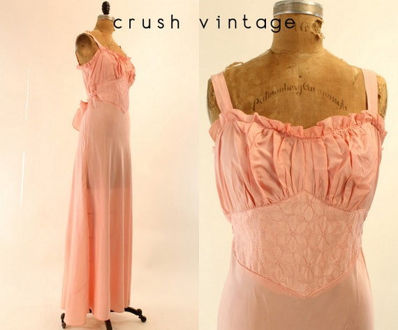 40s Pink Quilted Nightgown S M  / 1940s Gathered Rayon Lingerie / Gathering Flowers Gown