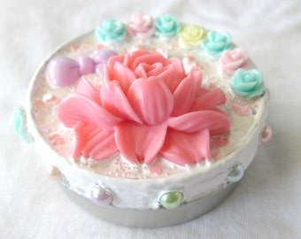Small Pastel Floral Decoden Tin Container with Flowers and Pearls