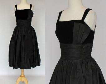 50's / 60's Cocktail Dress / Black Taffeta and Velvet  / Formal Dress / XSmall to Small