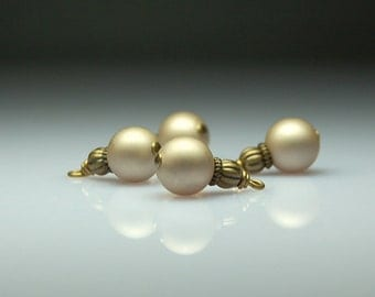 Vintage Style Bead Dangles Gold Glass Set of Four BR101