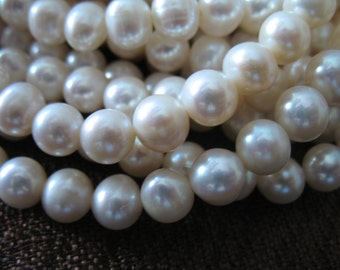 Shop Sale..WHITE Pearls, Round Pearls, Freshwater Pearls, Cultured Pearls, 1/2 Strand, 7-8 mm, June birthstone brides bridal rw .pearl 788