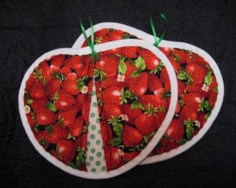 Heart   shaped Pot holder hot pad set, Strawberries