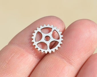 20 Silver Colored 15mm Gear Connector Charms SC3319