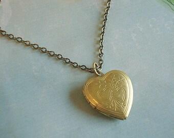 Brass Heart Locket Gift Under 25 Gold Heart Necklace Vintage Brass Heart Long Brass Chain Bridesmaid Necklace Locket Jewelry