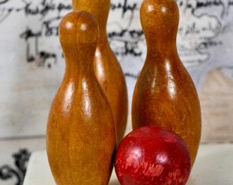 """vintage wooden 3.75"""" bowling pin...     La f 14"""