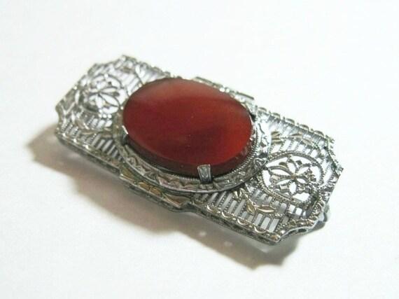 1920s Vintage Art Deco Filigree Brooch - Pin - Carnelian - Silver Tone