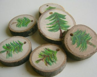 20 Hand Painted  Green Tree Round Wooden Tree Branch Wedding Favor Mason Jar Label Price Tag