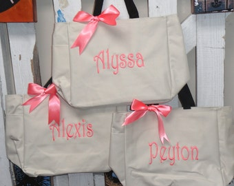 Monogramed Tote Bags, Set of 8, Bridesmaid Gift, Wedding Party Gift