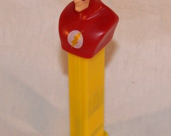 8GB Flash USB Drive / The Flash Candy Dispenser