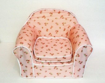 Made for American Girl Dolls, Madame Alexander, My Generation and all other 18 inch dolls furniture, chair