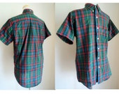 Vintage 1980's Red Green Mens Plaid Shirt // KENNETH STEVENS Short Sleeve Button Down Mens Checked Shirt // Nor'easter Plaid // Size Medium