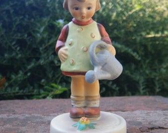 Hummel Little Gardener figurine - Goebel - sweet little girl - original label