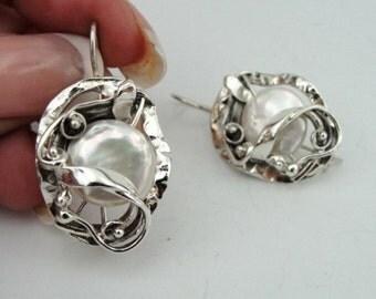Handmade Israel Fine Sterling Silver Textured Pearl Earrings (s e1699
