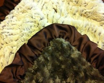 "Ultra Plush Minky Blanket With Ruffle. 21""x21"""