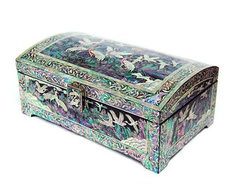 Mother of Pearl Inlay Crane Moon Design Wooden Black Lacquer Jewelry Trinket Keepsake Chest Box Case Holder Organizer