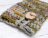 Crochet iPad mini case with handcrafted wood button --- Soft green shades --- Recycled fabric yarn iPad sleeve --- Tagt Team