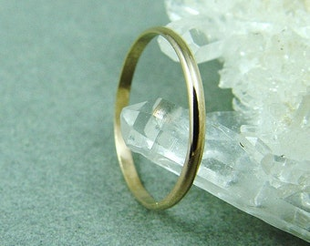 14K Solid Gold Ring / Wedding Ring / Gold Stacking Ring / Simple Gold Wedding Band