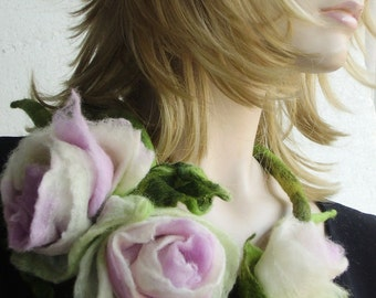 Light pink Rose Flowers Bouquet with Leaves Fairy Felted Necklace