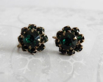 Vintage 40s Screwback Emerald Green Rhinestone Earrings