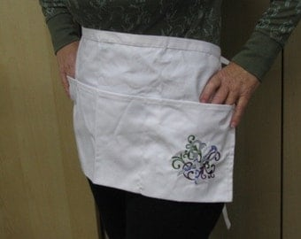 Filigree Crafty Scissors Half Apron