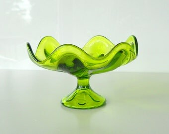 Vintage Viking Art Glass Epic Line Six Petal Green Pedestal Compote Dish