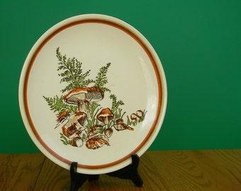 Vintage 1960s 1970s Mushroom and Fern Print Ceramic Platter