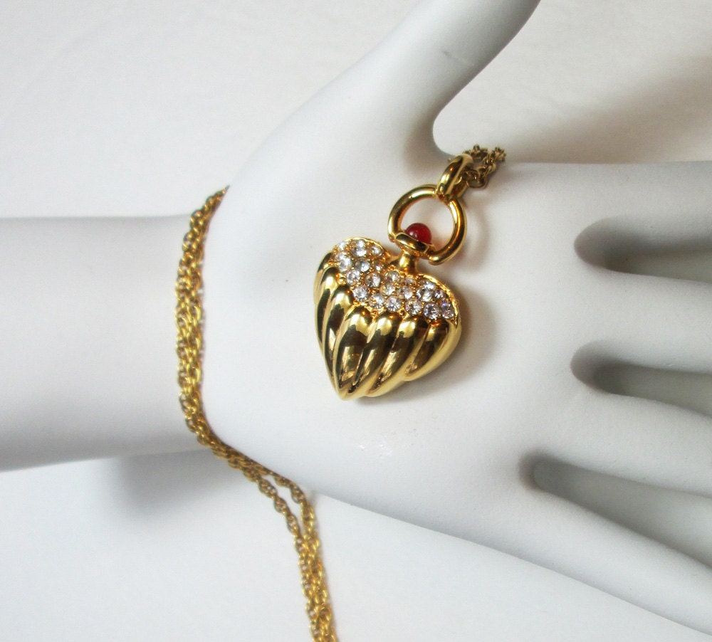 Joan rivers gold tone necklace with rhinestone heart shaped for Joan rivers jewelry necklaces
