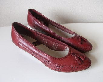 80s Burgundy Leather Woven Wedges with Tassels, Size 7