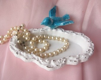 Shabby Chic Cottage Cast Iron Bird Dish/ Jewelry Holder/ For the home/ French Decor/ Soap Dish