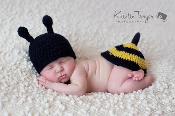 baby boy hat, baby girl ht, bumble bee, photo prop, crochet bumble bee set, baby shower gift, crochet newborn hat, crochet baby bee