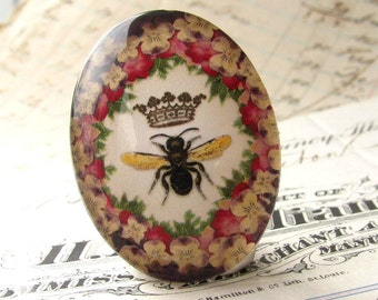 "Handmade ""Queen Bee"" 40x30mm oval cabochon, photo glass cabochon, 40x30mm 30x40mm, floral wreath frame, red, yellow, black, green, flower"