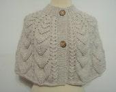 Knitting Cream Wool Capelet